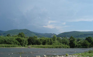 Свалява, Река Латорица