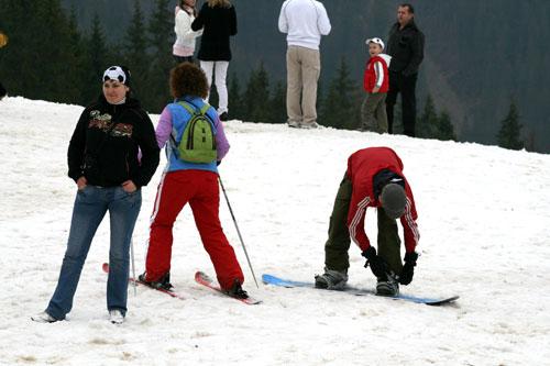 Буковель, лыжники