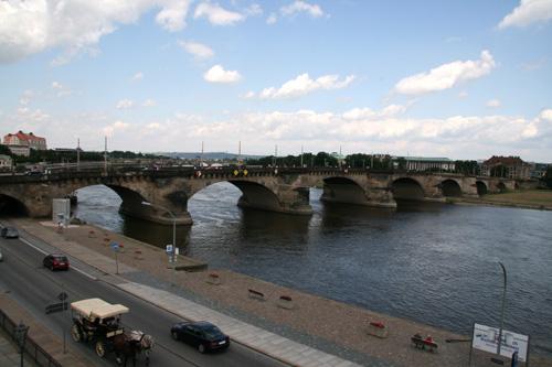 Дрезден, мост через Эльбу