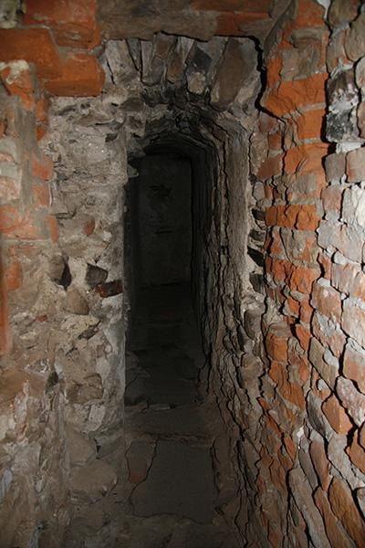 Замок Сен-Миклош, потайной ход